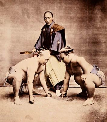 Sumo wrestlers 1870s_Kimbei